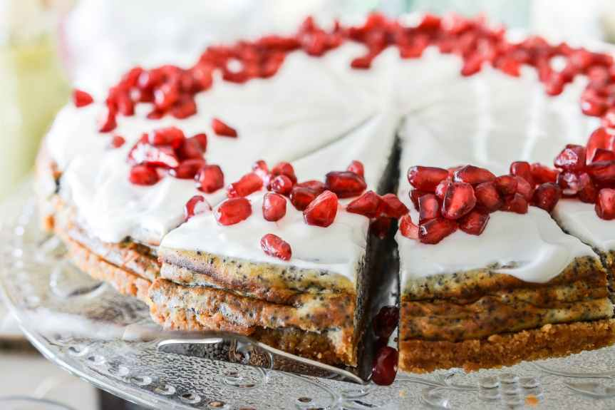 white icing pie with red berries
