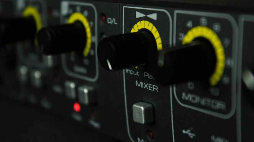 amplifier analogue audio blur